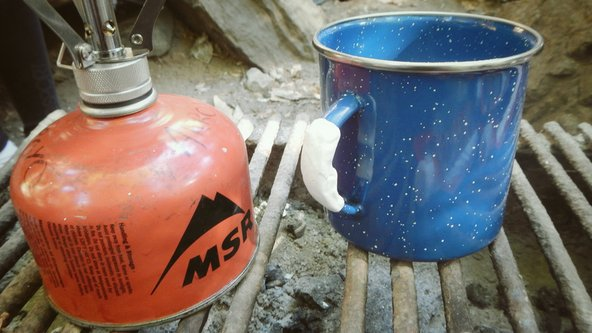 Using Sugru to fix a cup while backpacking