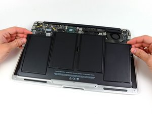 "Installing MacBook Air 13"" Mid 2012 Battery"