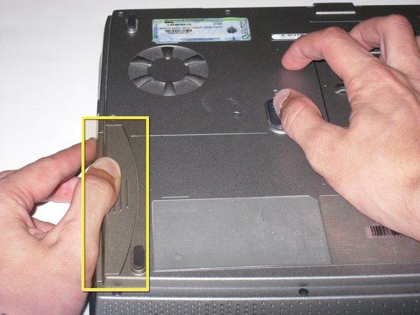 تعویض صفحه کلید لپ تاپ 2