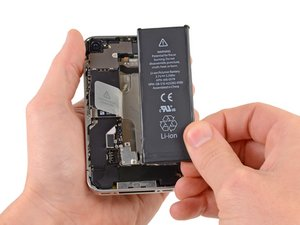 Installing iPhone 4S Battery