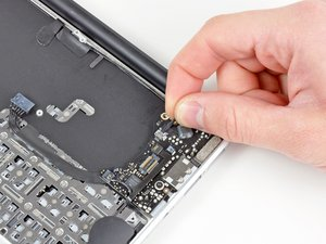 "Installing MacBook Air 11"" Late 2010 Display Assembly"