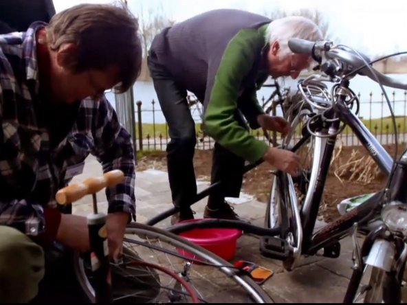 Fixing bicycles at the repair cafe