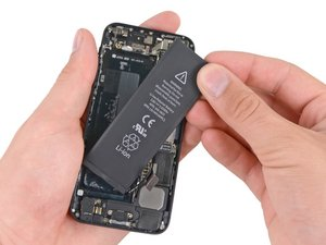 Installing iPhone 5 Battery