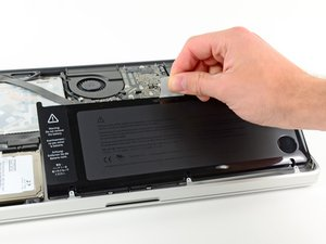 "Installing MacBook Pro 15"" Unibody Mid 2012 Battery"