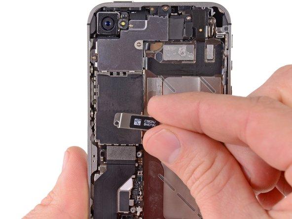 как удалить на айфоне контакты