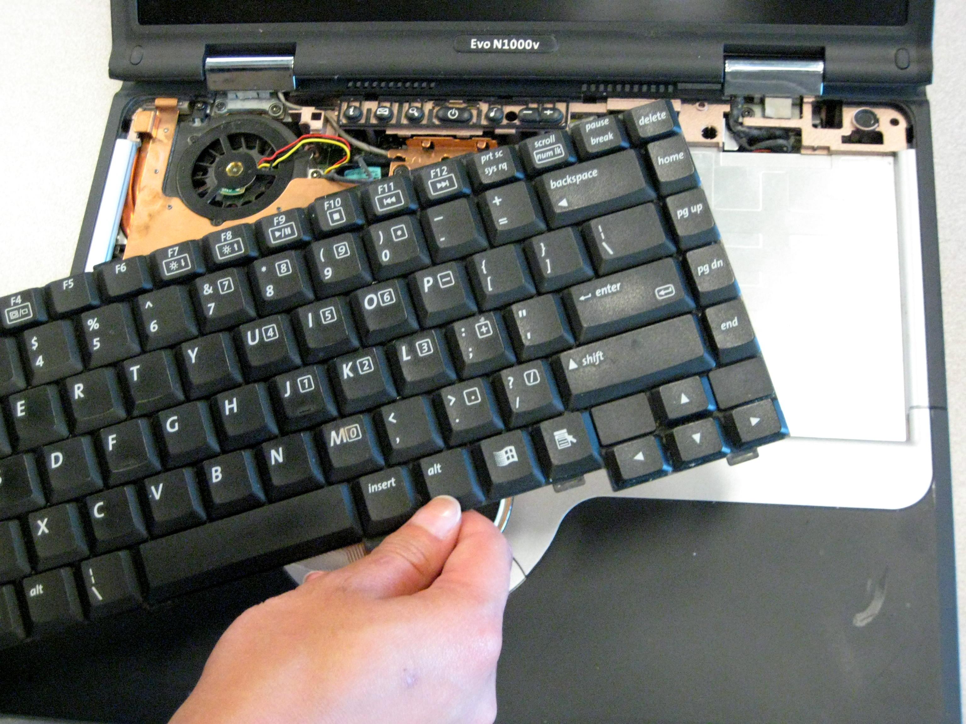 Как поменять клавиатуру на ноутбуке своими руками