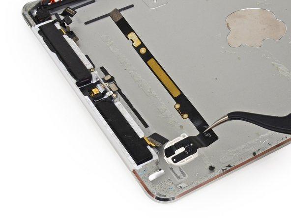 Заглянем внутрь планшета iPad Air