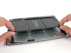 Installing iPad 3 Wi-Fi Battery