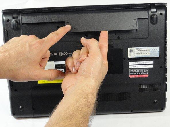 تعویض باتری لپتاپ 4