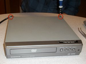 How to remove Magnavox MWD200F cover