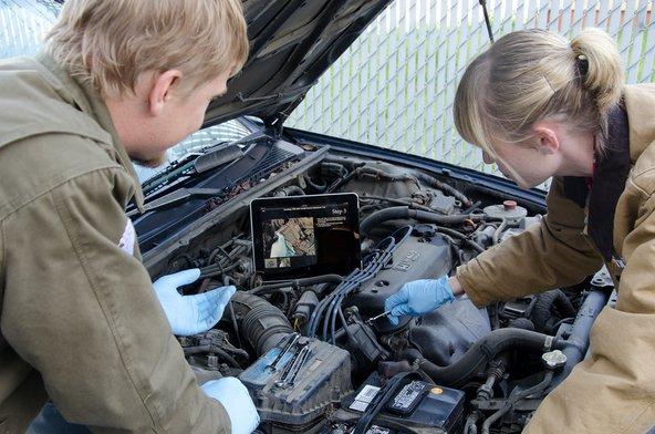 Using the iFixit iPad app to repair a car