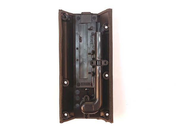 Image 3/3: The built-in port tube enhances bass.