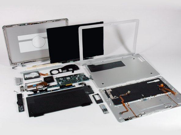Image 2/2: We included the final picture from our [guide|598|MacBook Air First Look] for comparison purposes.