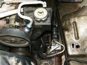 Jeep Grand Cherokee 2.7 CRD Power Steering Hose Pump to Fan