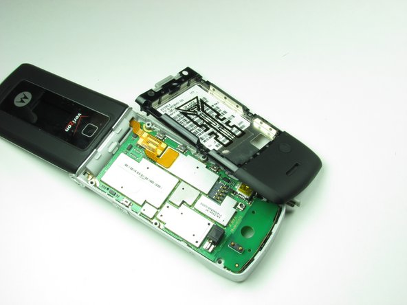 The casing can be easily removed exposing the bottom logic board.