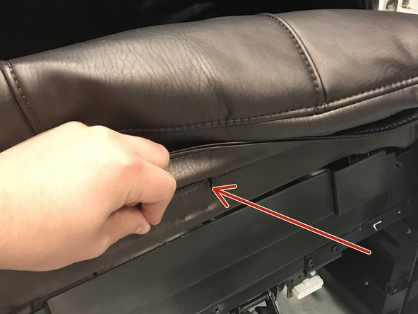 THESE ZIPPERS ARE WEAK AND WILL BREAK EASILY IF FORCED.