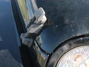 Öffnen der Motorhaube am Jeep Wrangler BJ 2007 - 2012
