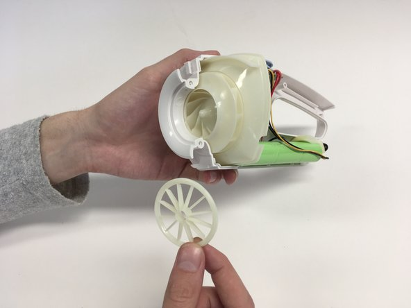 Remove the turbine protector in front of the turbine.