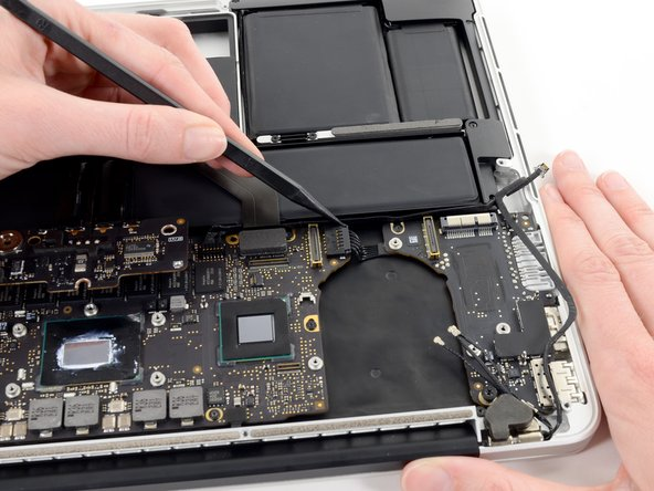 "MacBook Pro 13"" Retina Display Ende 2012 I/O Board Replacement"