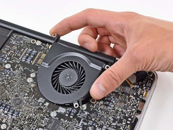 "MacBook Pro 17"" Unibody Left Fan Replacement"
