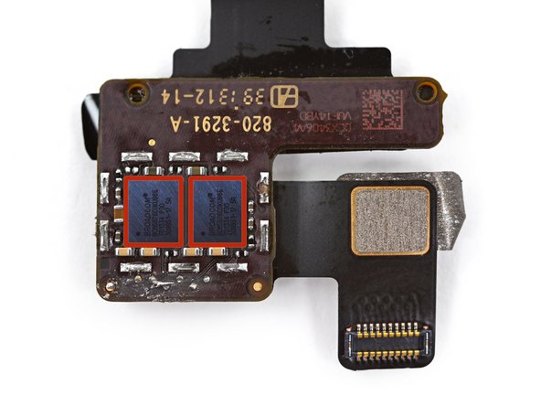 Image 3/3: To the surprise of no one, we find affixed dual Broadcom [https://chipworks.secure.force.com/catalog/ProductDetails?sku=BRO-BCM5976A0KUB2G|BCM5976] touchscreen controllers—much like we've seen in a host of recent Apple products including the [guide|18907|iPad Air|stepid=53584] and iPhones [guide|10525|5|stepid=38298] and [guide|17383|5s|stepid=52342].