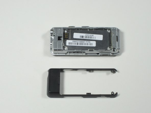 The rear case cover can now be separated from the device.