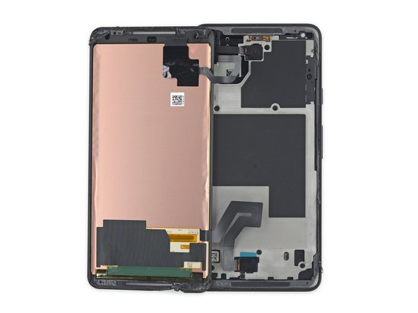 In a departure from standard smartphone opening procedure, we leave the iOpener behind today. The Pixel 2 employs a foam tape that can be separated without applying heat.