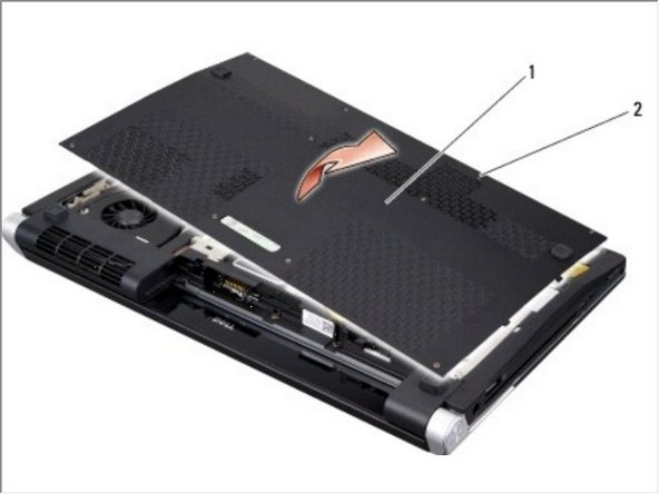 Afloje los diez tornillos cautivos en la cubierta de la base y levante la cubierta de la computadora en un ángulo como se muestra en la figura.
