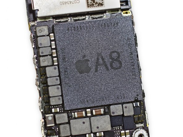 Apple A8 APL1011 SoC + Elpida 1 GB LPDDR3 RAM (as denoted by the markings EDF8164A3PM-GD-F)