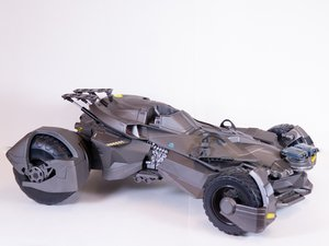 Justice League Ultimate Batmobile Repair