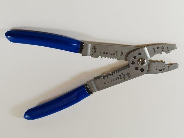 Electrician's Multi-tool Main Image