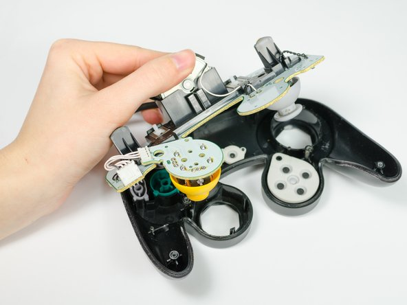 Ersetzen der Leiterplatte des Nintendo GameCube Controllers