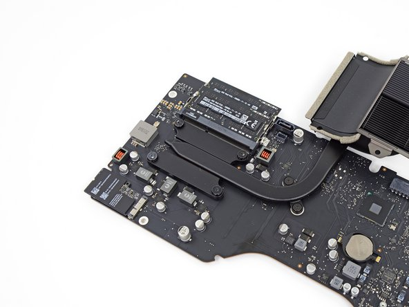 Apple's iterative streamlining is again in effect, with a slimmed down and beautified CPU heat sink.