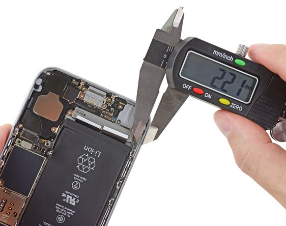 measuring the gasket on the iPhone 6S