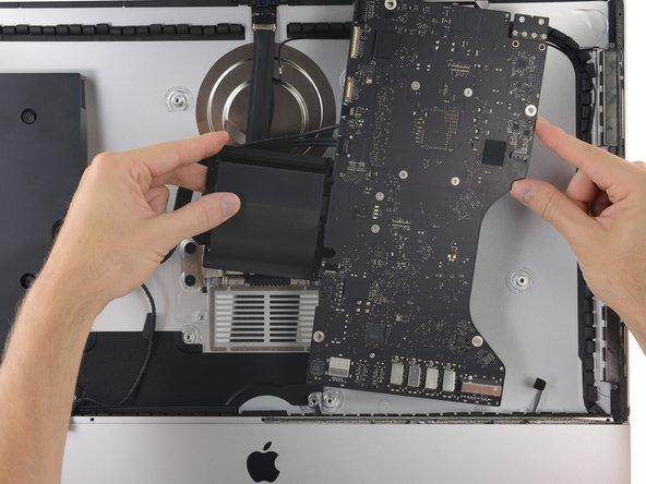 iMac Intel 21.5インチ Retina 4Kディスプレイロジックボードアセンブリの交換
