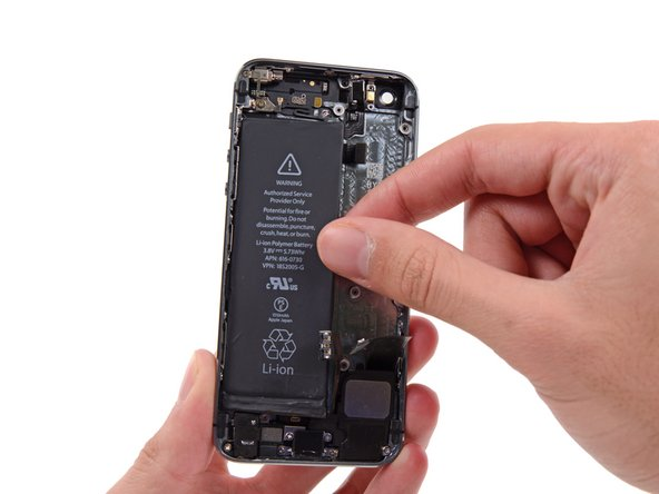 Image 1/2: When installing the battery, refer to [https://www.ifixit.com/Guide/iPhone+Battery+Adhesive+Strips+Replacement/56465|this guide] to replace your battery's adhesive strips.