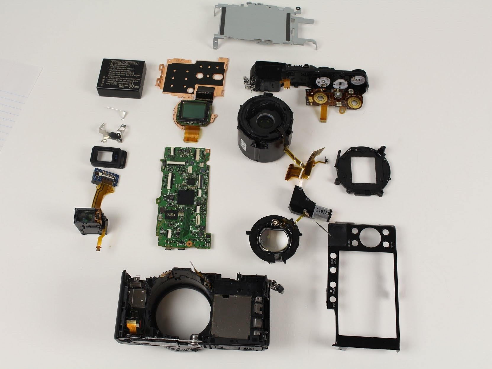 Disassembling Panasonic LUMIX DMC-LX100 - iFixit Repair Guide