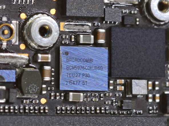 Here's a closer look at the Broadcom BCM5976 trackpad controller.