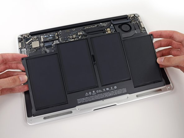 "Remplacement de la batterie du MacBook Air 13"" début 2014"