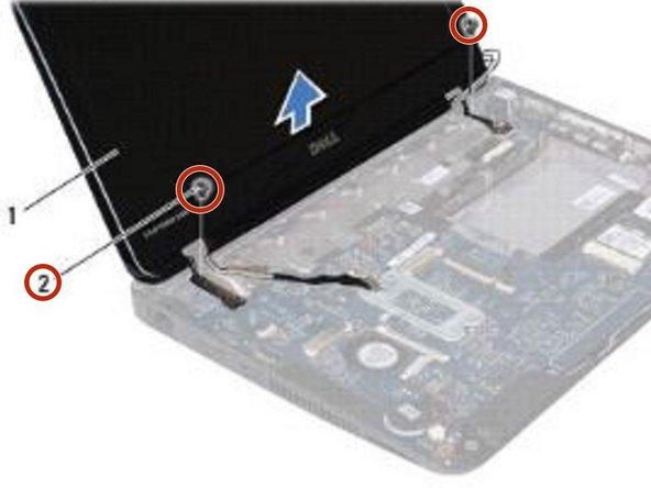 Retire los dos tornillos (uno en cada lado) que aseguran el ensamblaje de la pantalla a la base de la computadora.