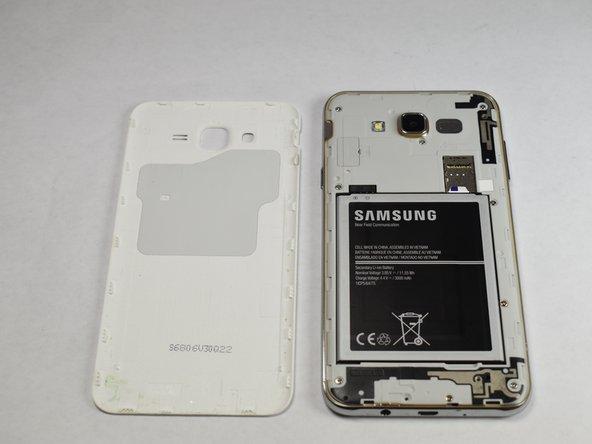 Reemplazo de la tapa trasera del Samsung Galaxy J7