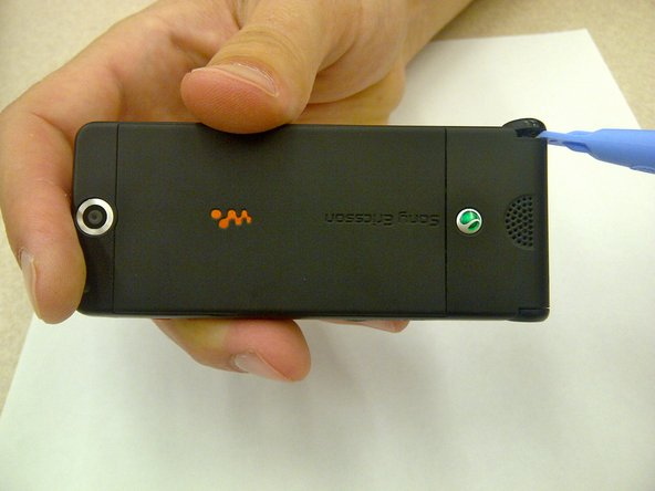 Removing Sony Ericsson W350a Flip Cover