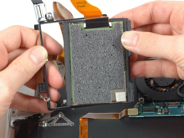 Image 1/1: A hard drive swap is definitely possible, but it's no longer a trivial procedure like in the MacBook.