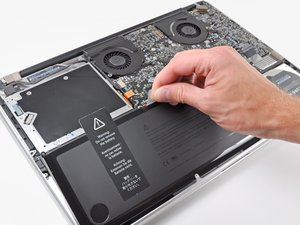 "MacBook Pro 17"" Unibody 电池更换"