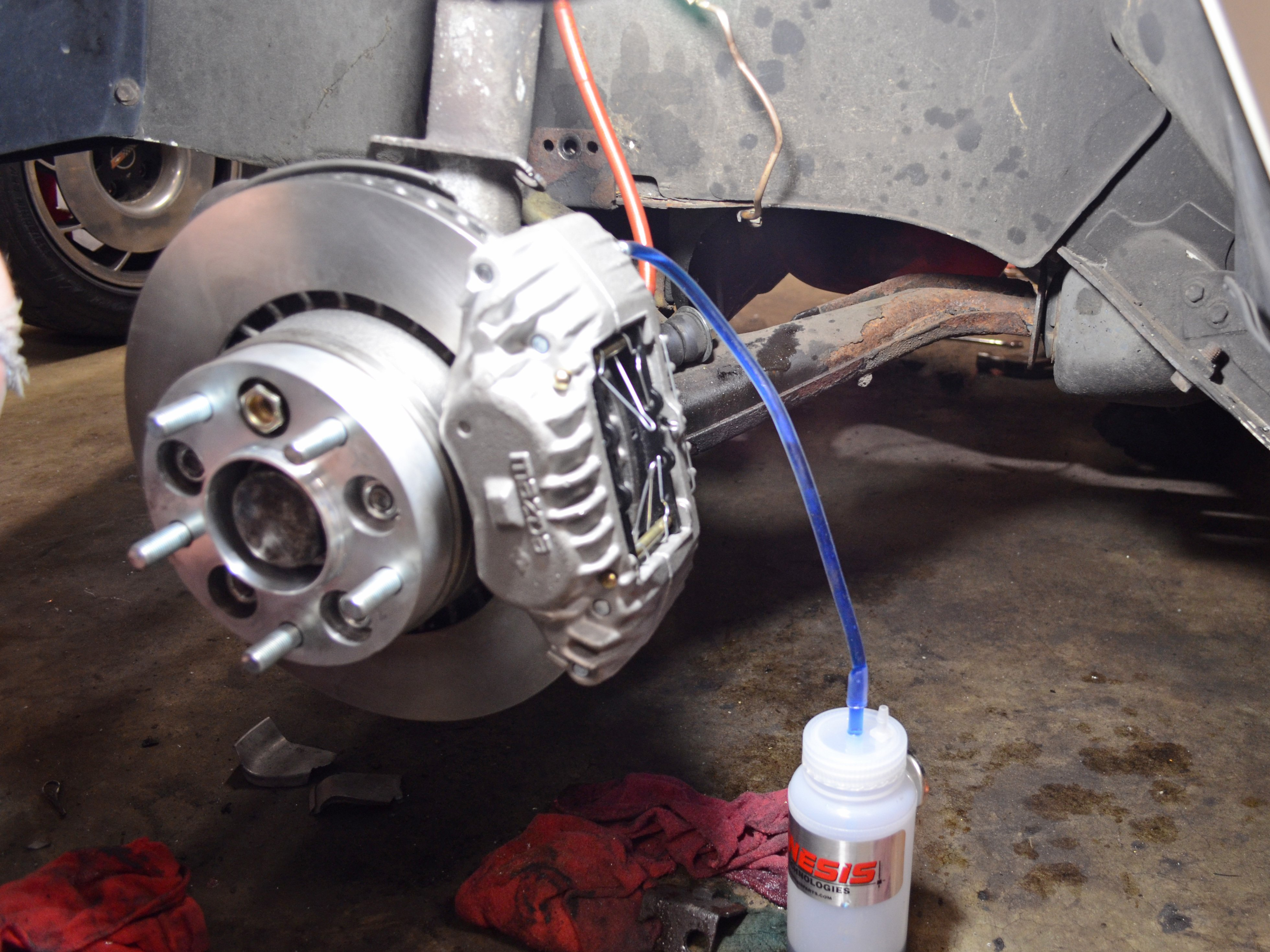 How to bleed 1986-1993 Volvo 240 brakes (1986, 1987, 1988