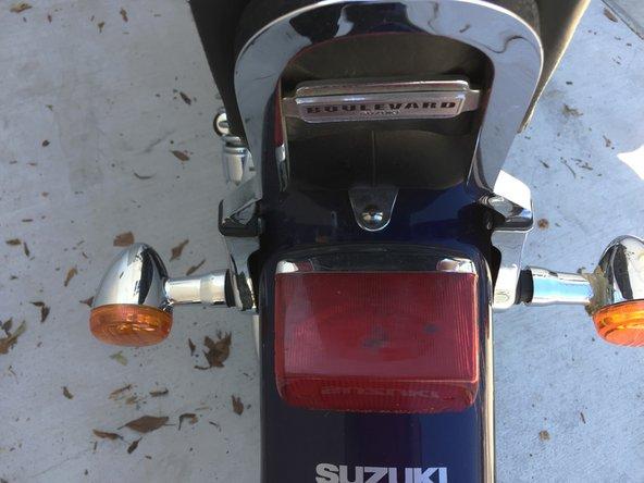 Disassembling Suzuki Boulevard S40 Seat