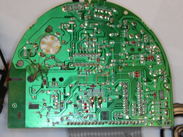 Complete view of the underside of the PCB and the provided speaker.
