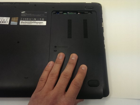 Image 3/3: Remove the seven 6.5mm screws on exterior of computer.