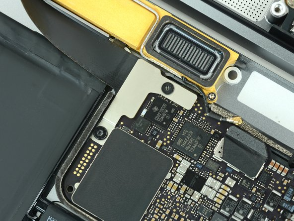 Image 1/3: Tinkerers and repairers can rejoice! Even though we saw [https://www.ifixit.com/Teardown/iPhone+7+Plus+Teardown/67384#s136472| a barrage of tri-point screws in the iPhone 7|new_window=true], we still see the Phillips screw standing strong.