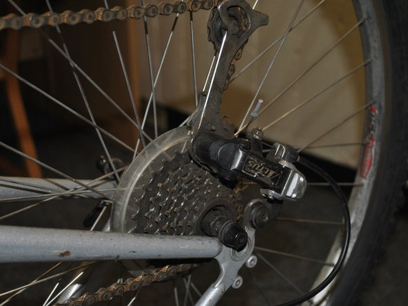 Make sure the chain aligns with the sprocket.